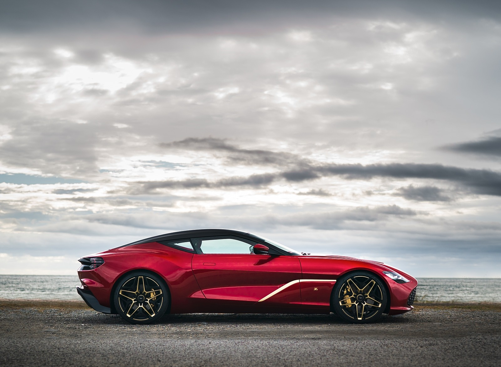 2020 Aston Martin DBS GT Zagato Side Wallpapers (4)