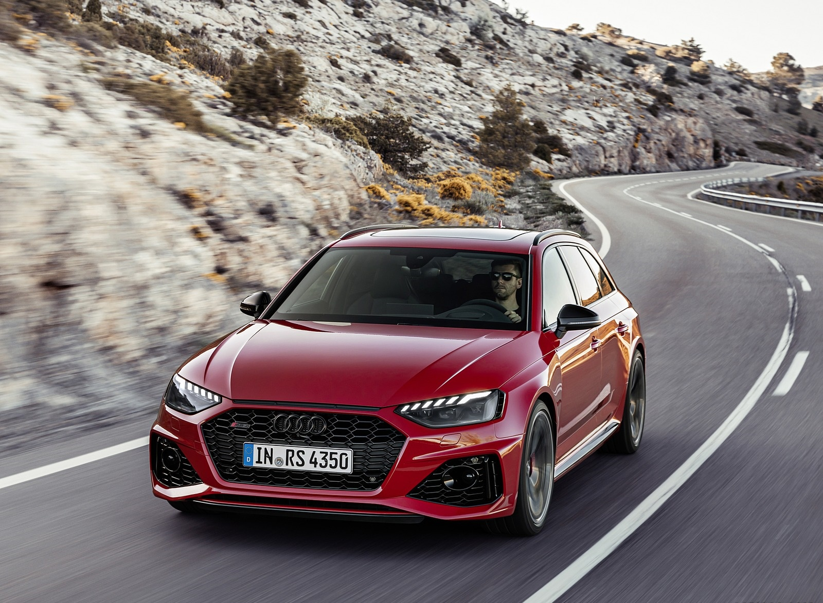 2020 Audi RS 4 Avant (Color: Tango Red) Front Wallpapers (5)