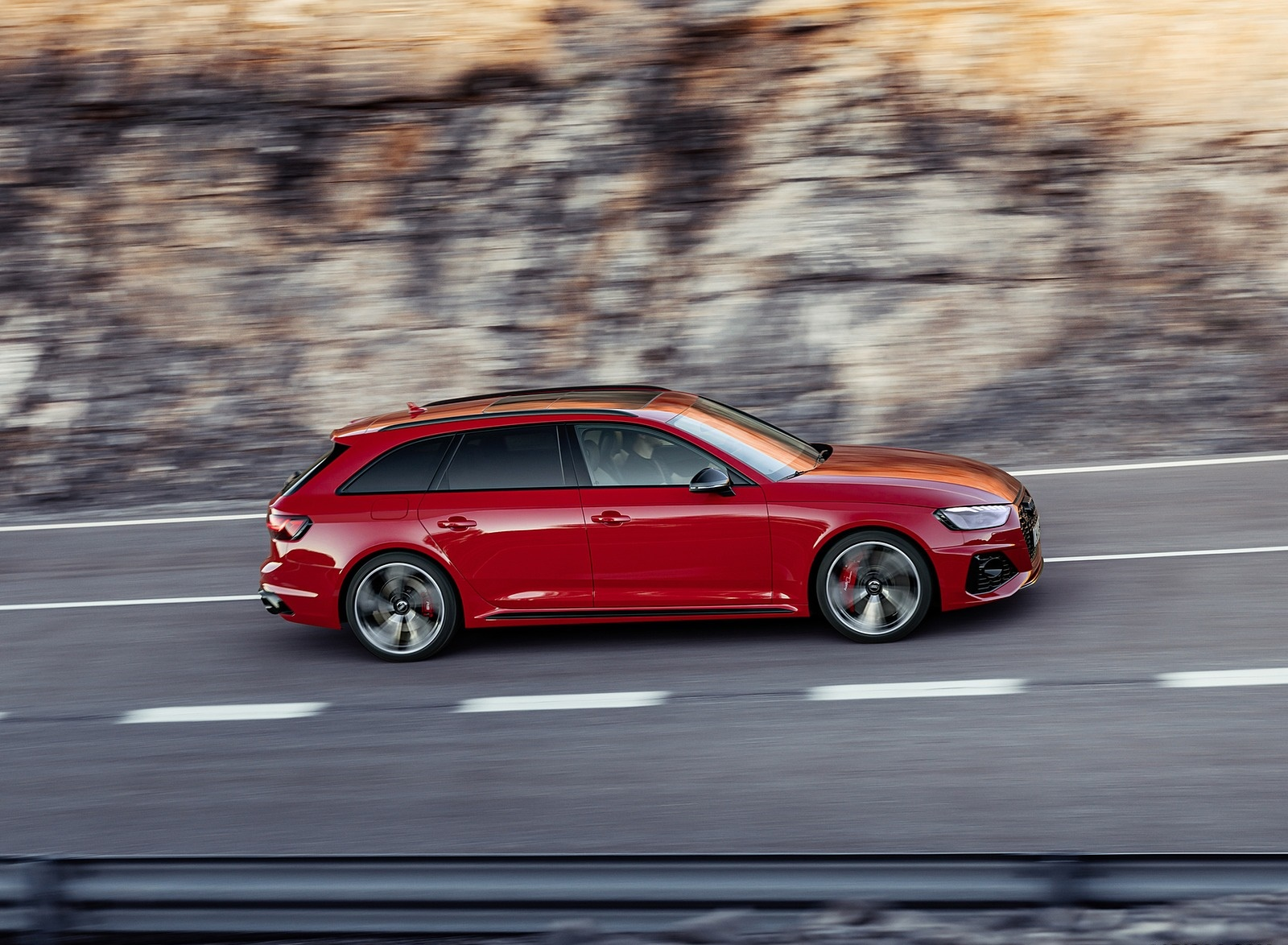 2020 Audi RS 4 Avant (Color: Tango Red) Side Wallpapers (10)
