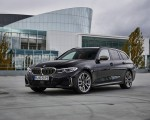 2020 BMW M340i xDrive Touring (Color: Black Sapphire Metallic) Front Three-Quarter Wallpapers 150x120 (30)