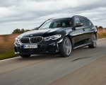 2020 BMW M340i xDrive Touring (Color: Black Sapphire Metallic) Front Three-Quarter Wallpapers 150x120 (20)