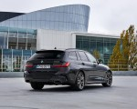 2020 BMW M340i xDrive Touring (Color: Black Sapphire Metallic) Rear Three-Quarter Wallpapers 150x120 (39)
