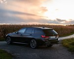 2020 BMW M340i xDrive Touring (Color: Black Sapphire Metallic) Rear Three-Quarter Wallpapers 150x120 (38)