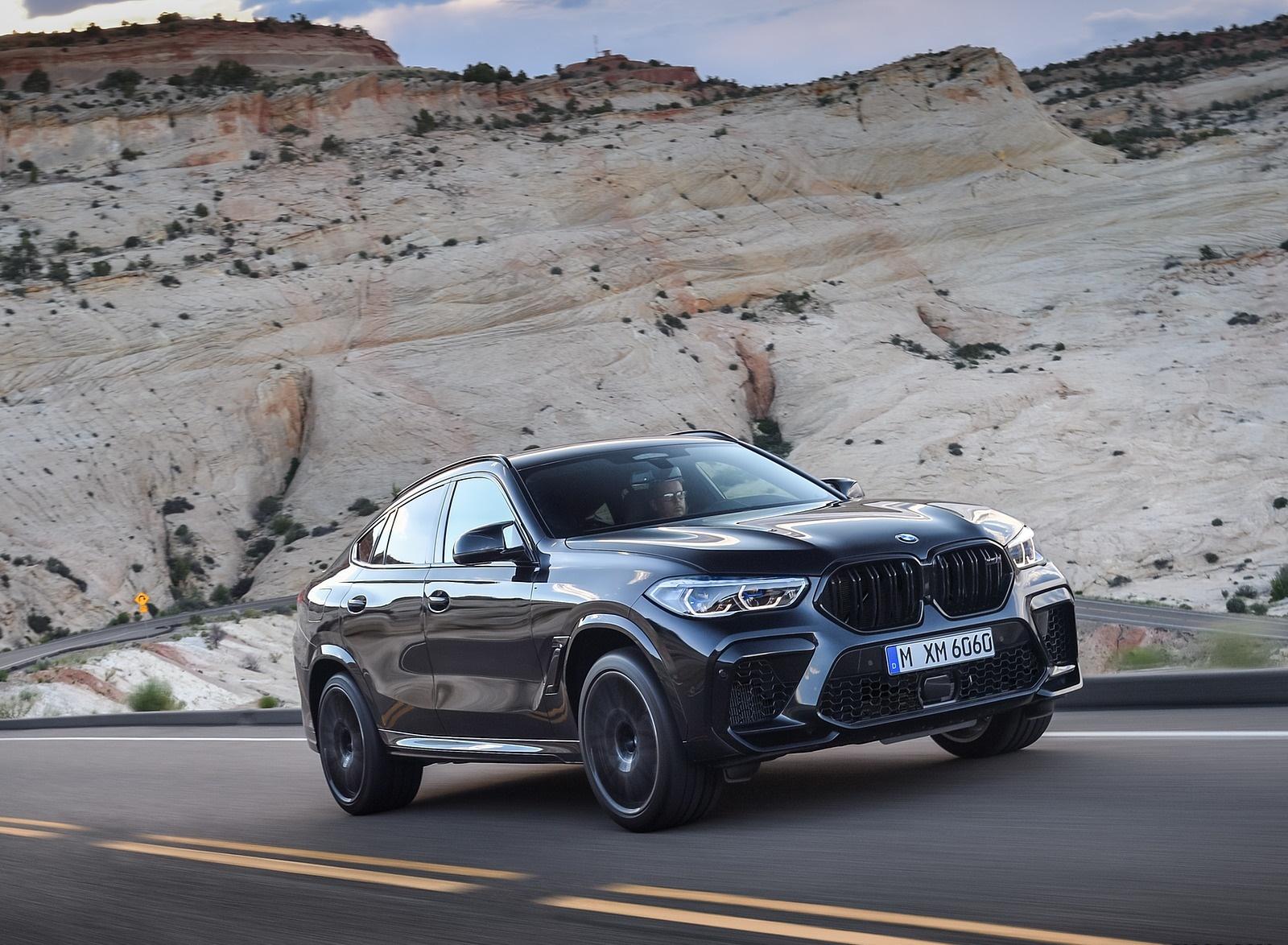 2020 BMW X6 M Competition Front Three-Quarter Wallpapers (2)