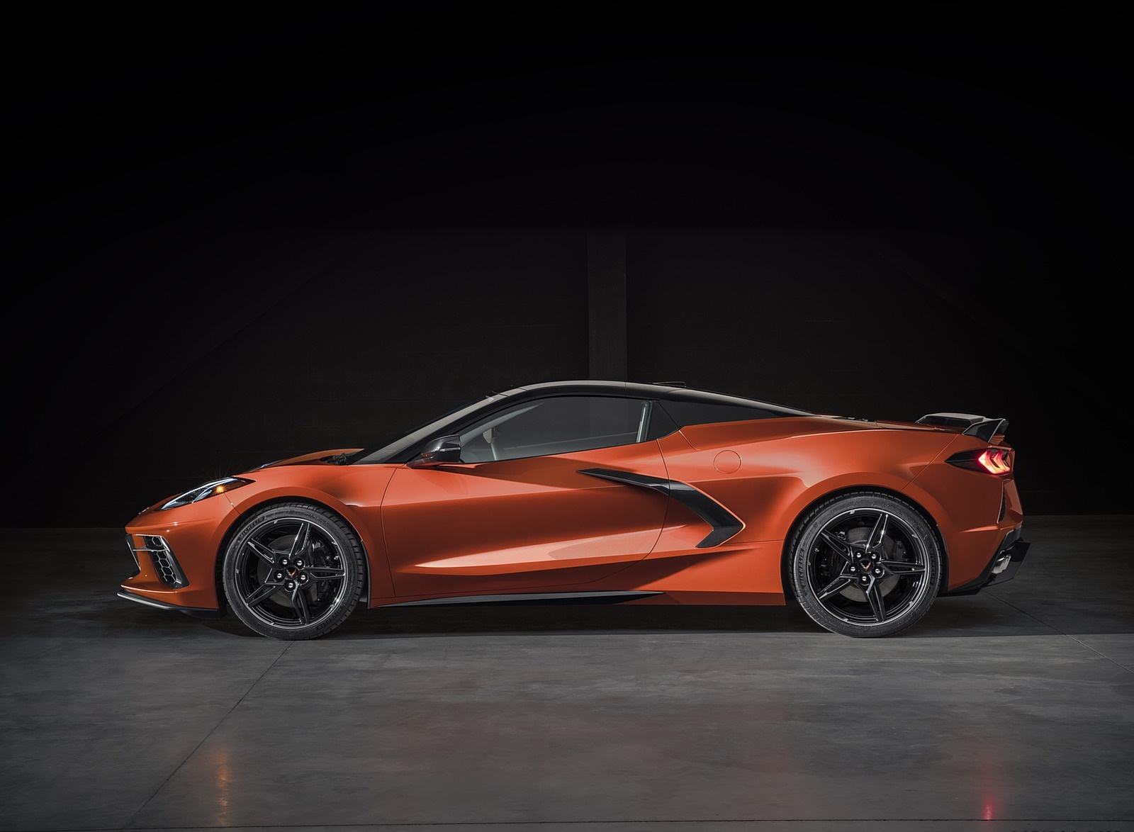 2020 Chevrolet Corvette Stingray Convertible Side Wallpapers (10)