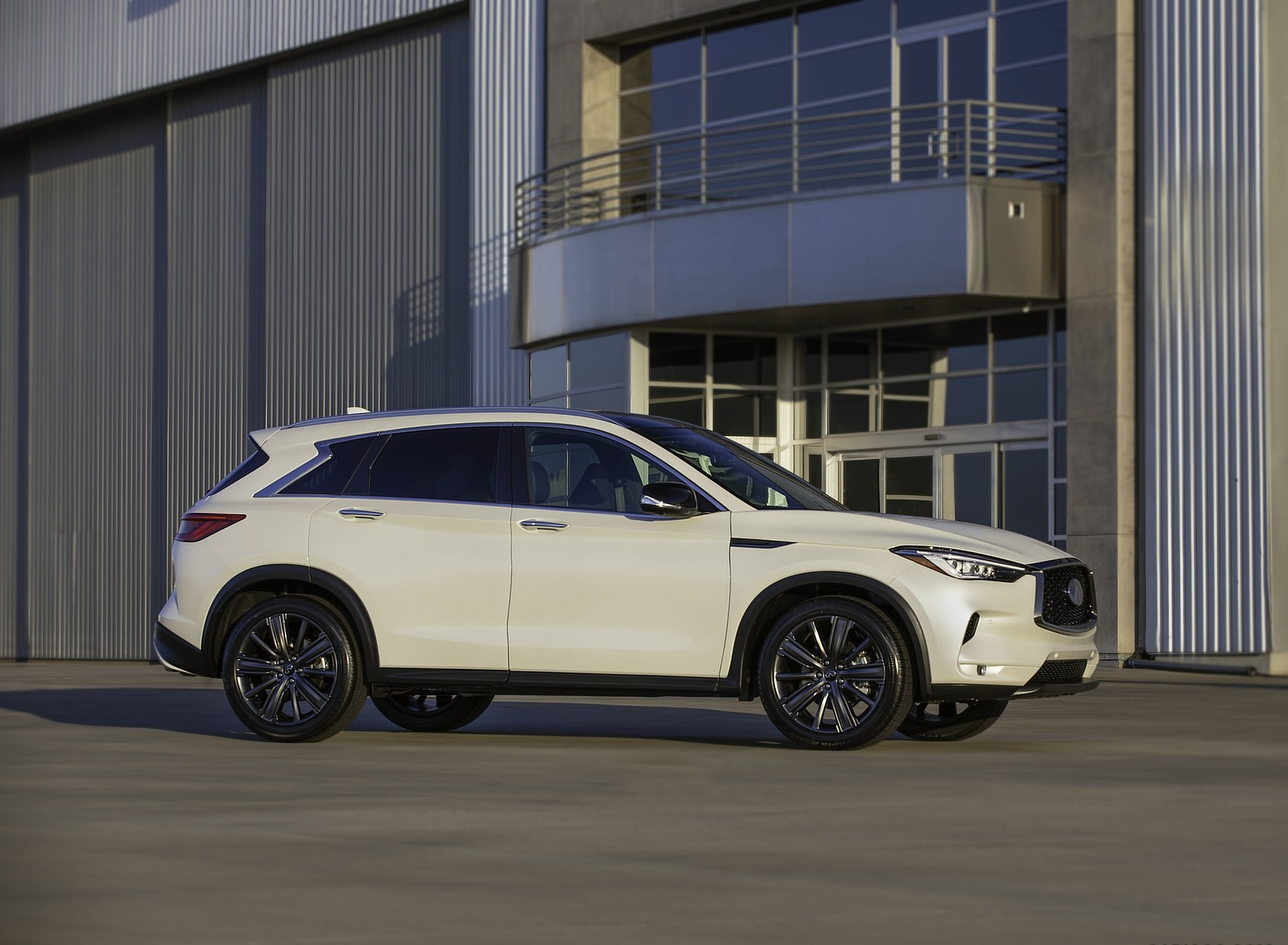 2020 Infiniti QX50 Edition 30 Side Wallpapers (3)