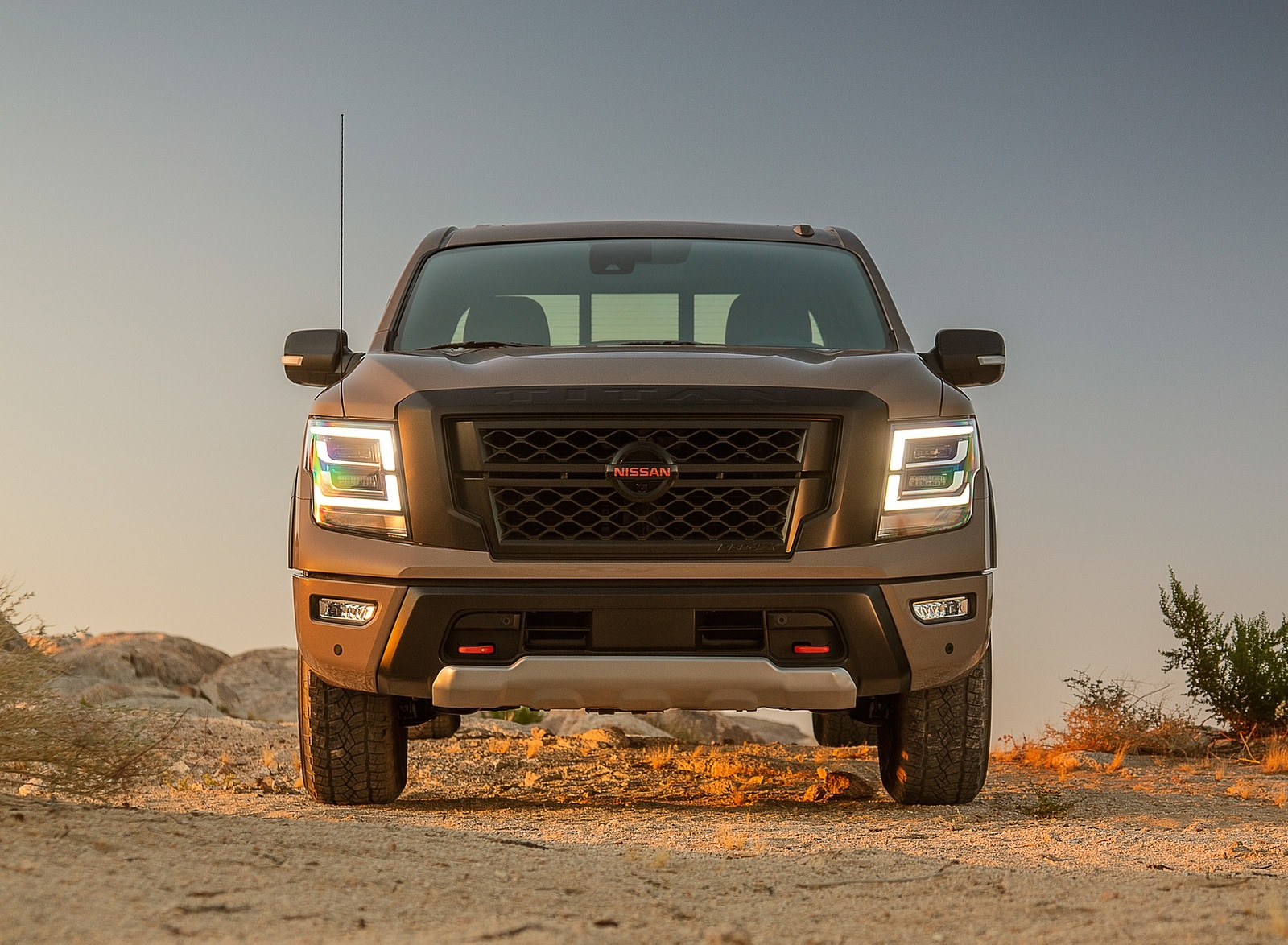 2020 Nissan TITAN PRO 4X Front Wallpapers (9)
