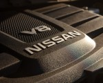2020 Nissan TITAN Platinum Reserve Engine Wallpapers 150x120 (26)