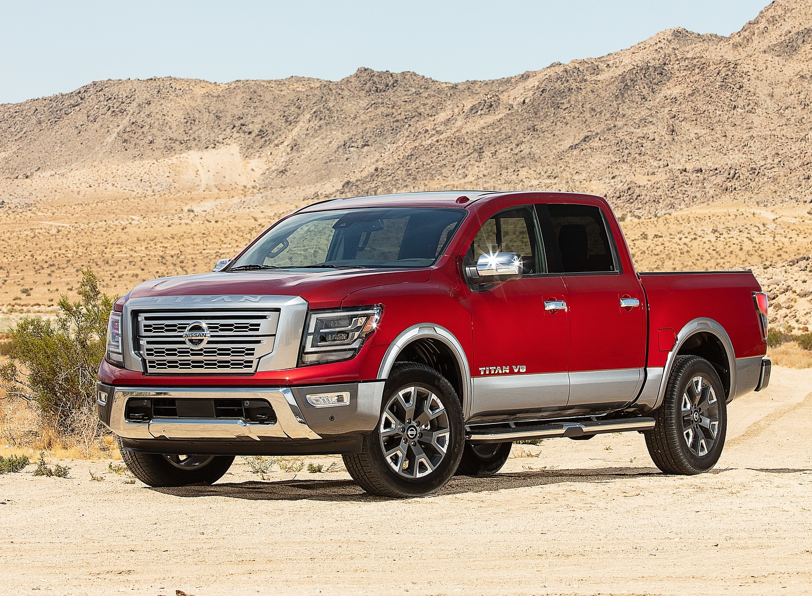 2020 Nissan TITAN Platinum Reserve Front Three-Quarter Wallpapers (1)