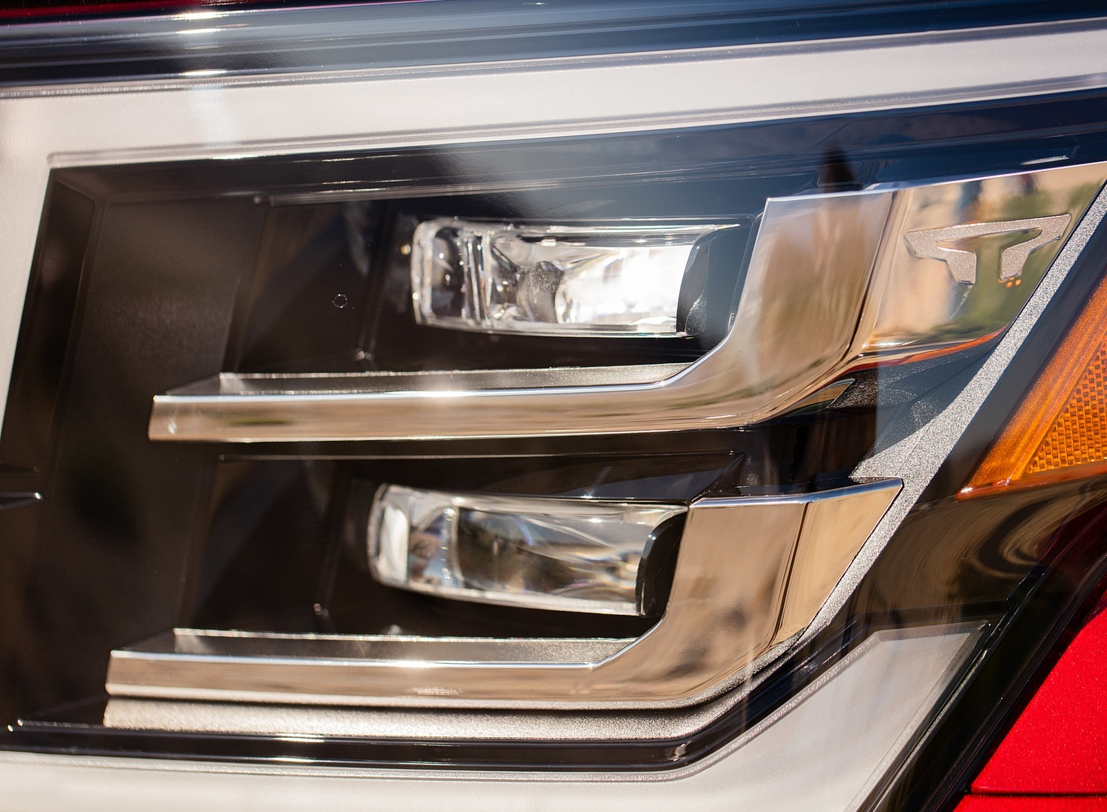 2020 Nissan TITAN Platinum Reserve Headlight Wallpapers (10)