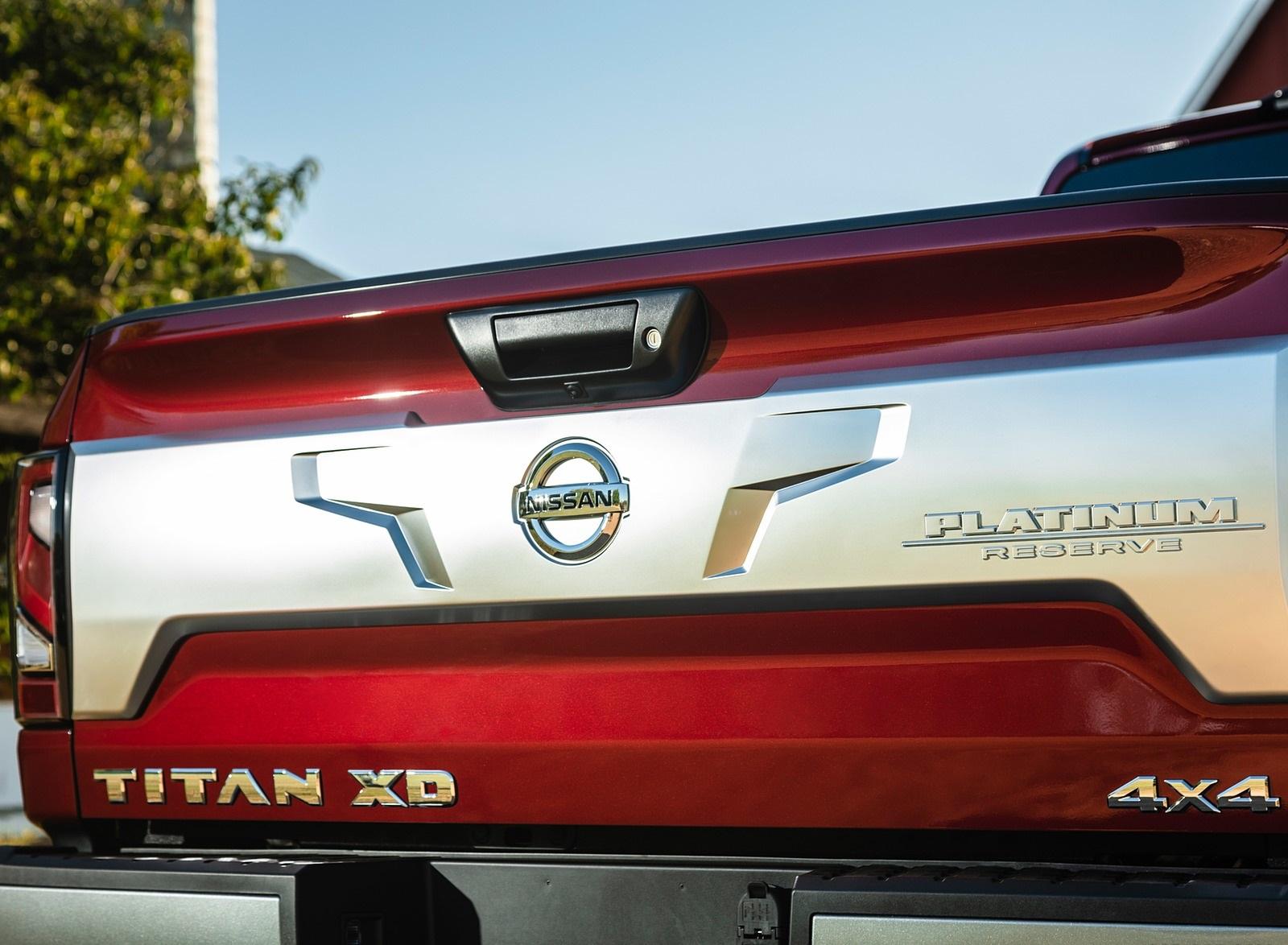 2020 Nissan TITAN XD Platinum Reserve Detail Wallpapers (7)