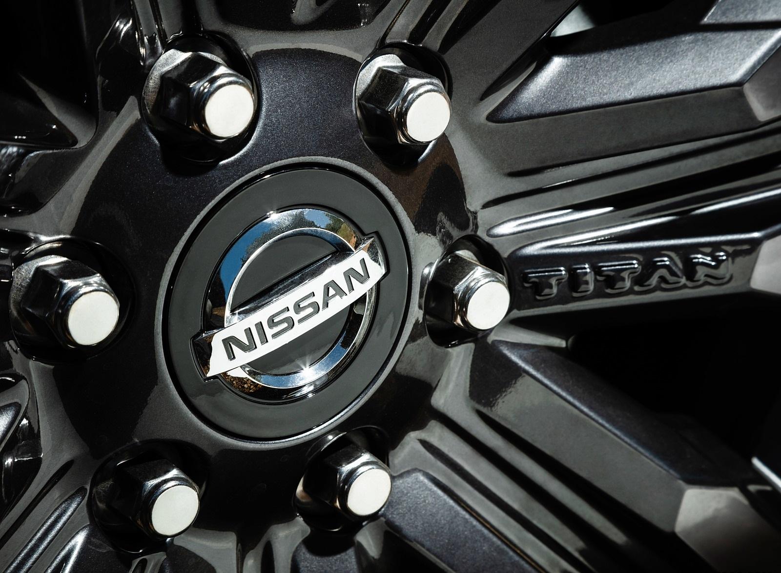 2020 Nissan TITAN XD Platinum Reserve Detail Wallpapers (8)
