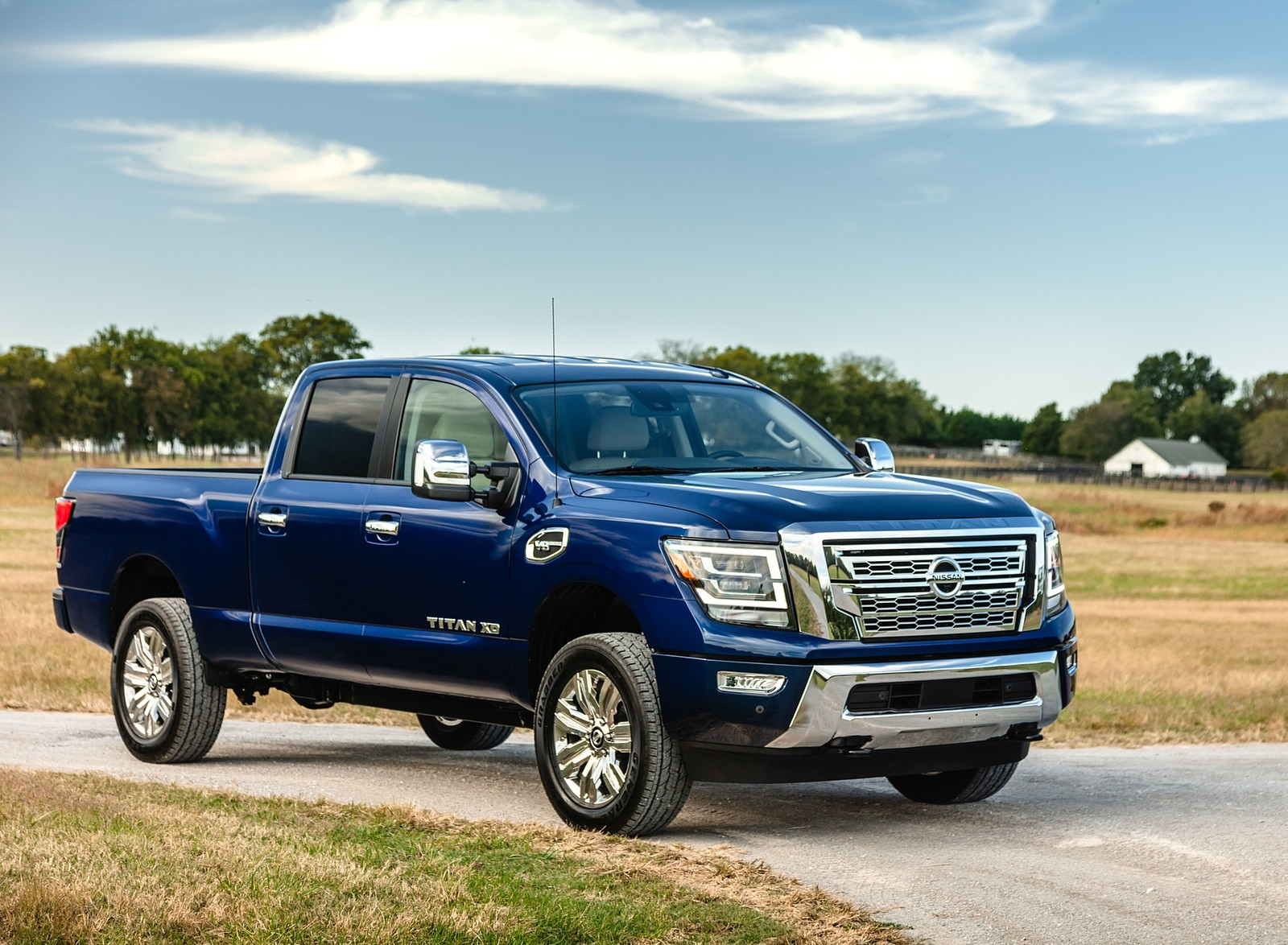 2020 Nissan TITAN XD SL Front Three-Quarter Wallpapers (5)