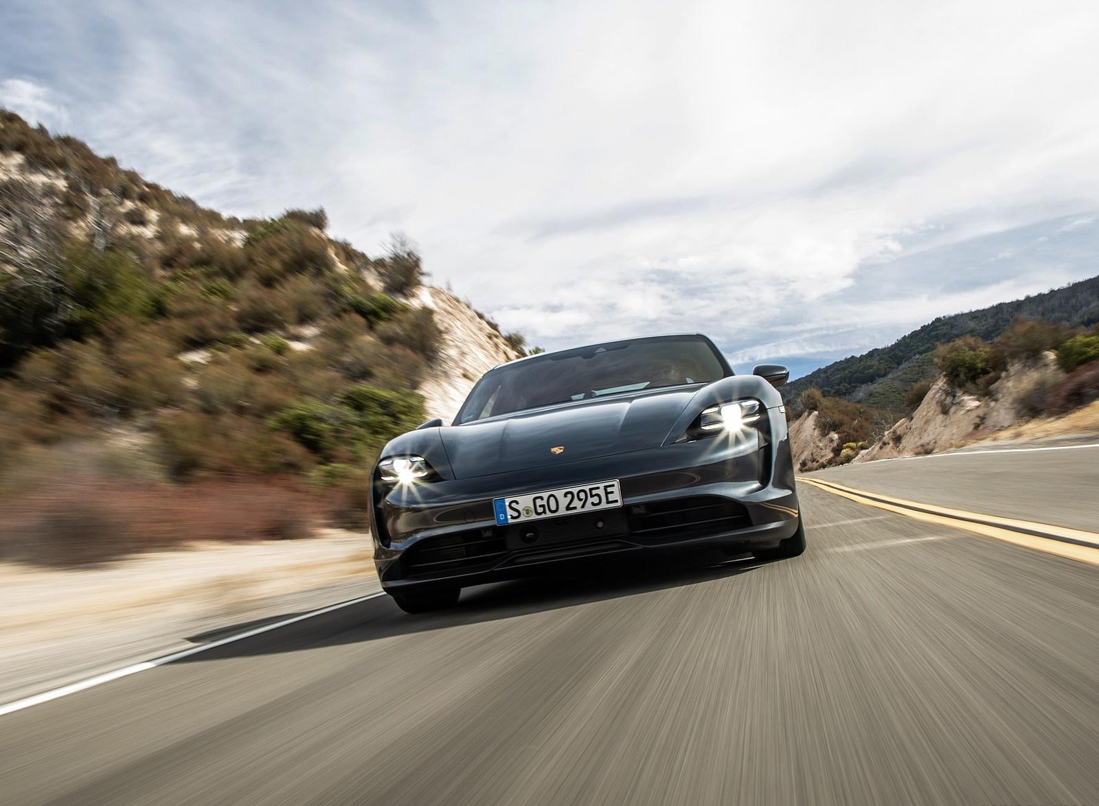 2020 Porsche Taycan 4S (Color: Volcano Grey Metallic) Front Wallpapers (5)