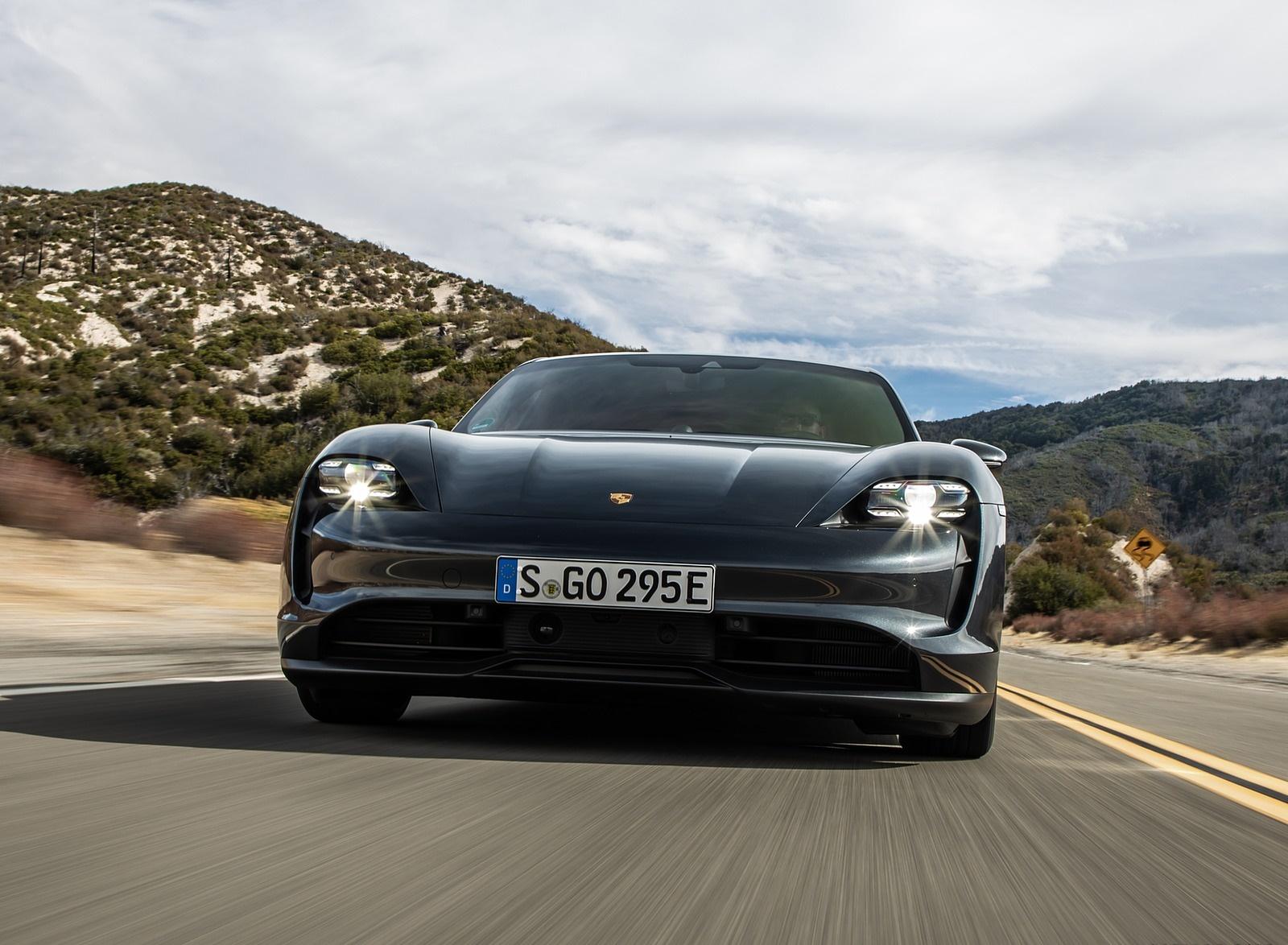 2020 Porsche Taycan 4S (Color: Volcano Grey Metallic) Front Wallpapers (6)