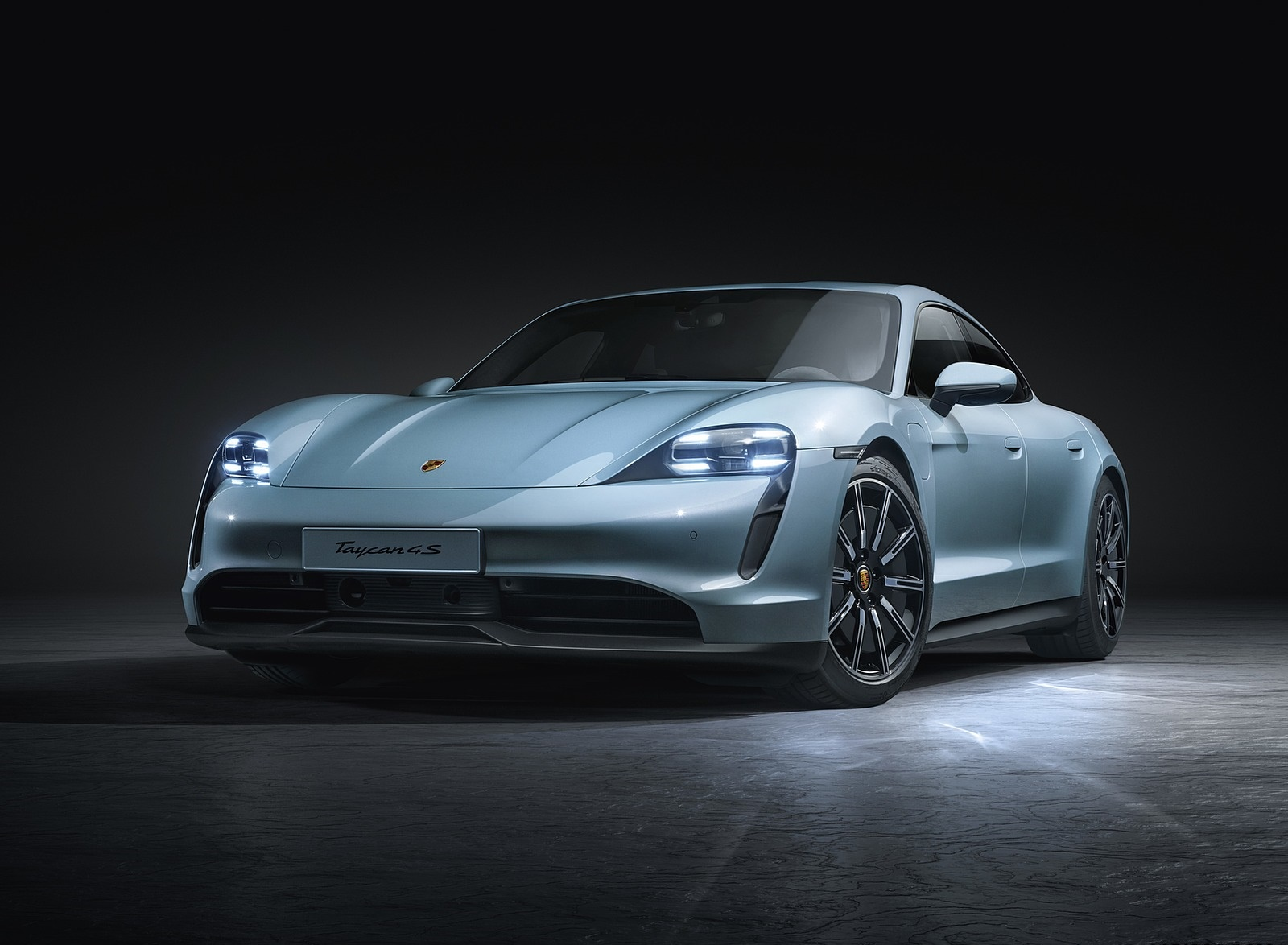2020 Porsche Taycan 4S Front Three-Quarter Wallpapers (4)