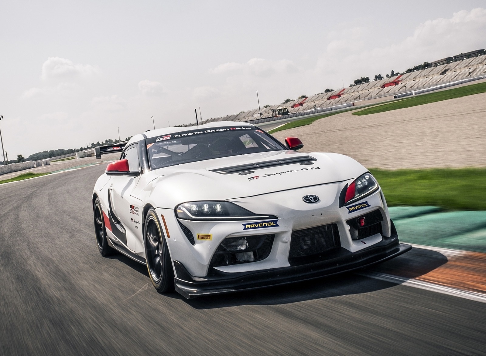 2020 Toyota Supra GT4 Front Three-Quarter Wallpapers (2)
