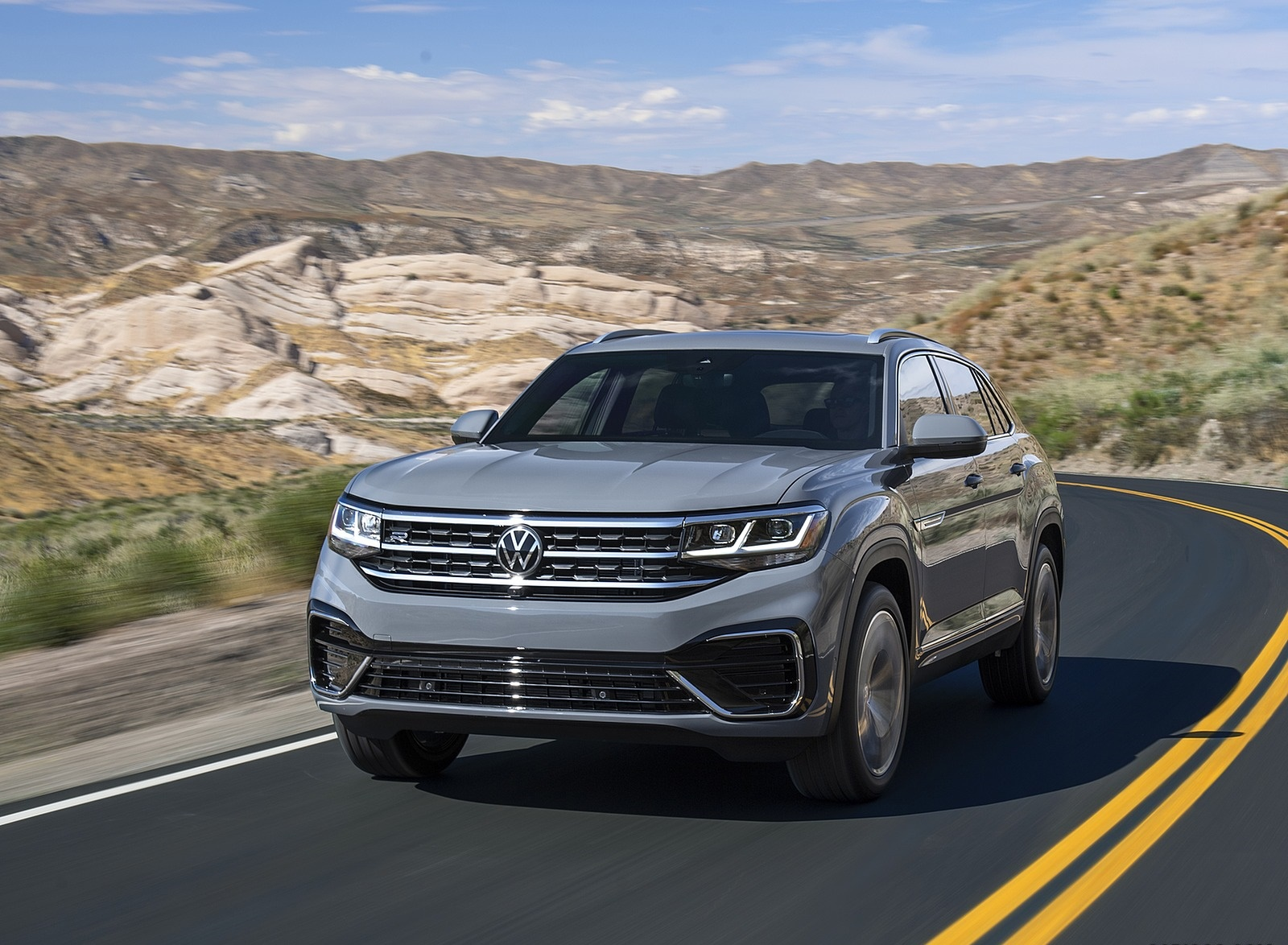 2020 Volkswagen Atlas Cross Sport Front Three-Quarter Wallpapers (3)