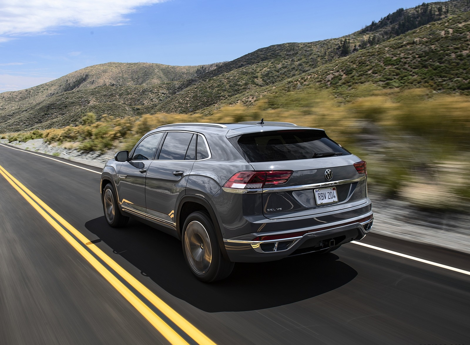 2020 Volkswagen Atlas Cross Sport Rear Three-Quarter Wallpapers (2)