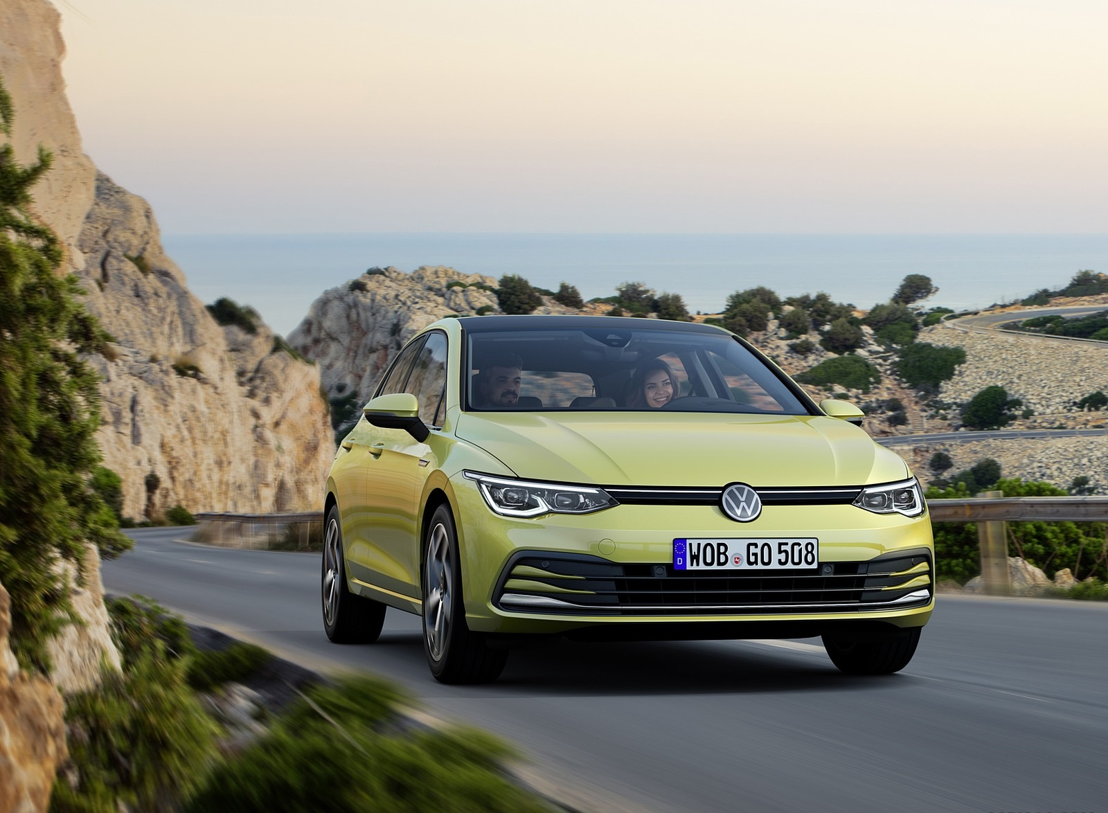 2020 Volkswagen Golf Mk8 Front Wallpapers (3)