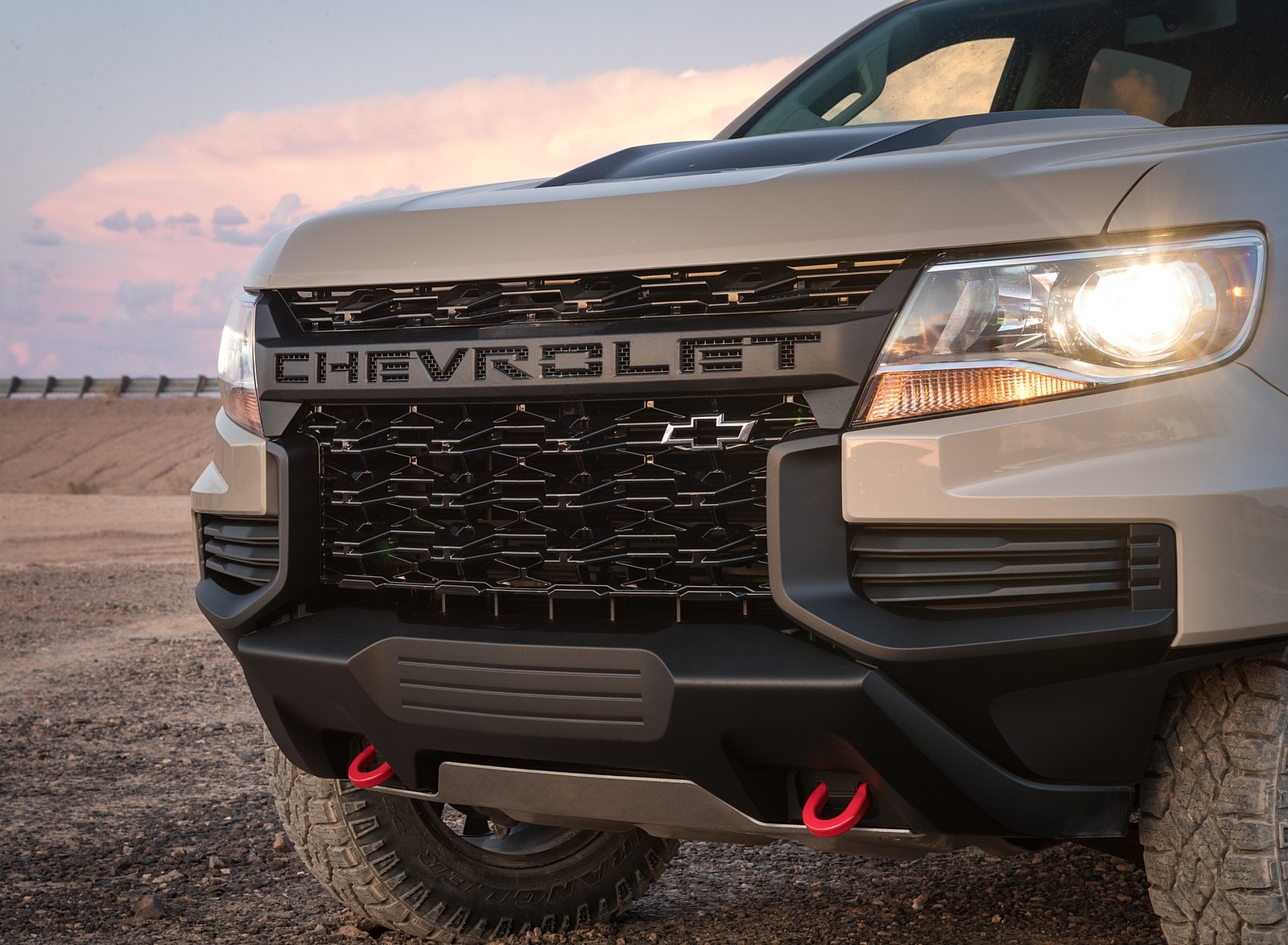 2021 Chevrolet Color:ado ZR2 Grill Wallpapers (8)