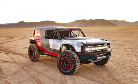 2019 Ford Bronco R Concept Front Three-Quarter Wallpapers 450x275 (5)