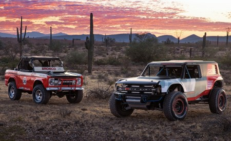 2019 Ford Bronco R Concept and Classic Bronco Wallpapers 450x275 (21)