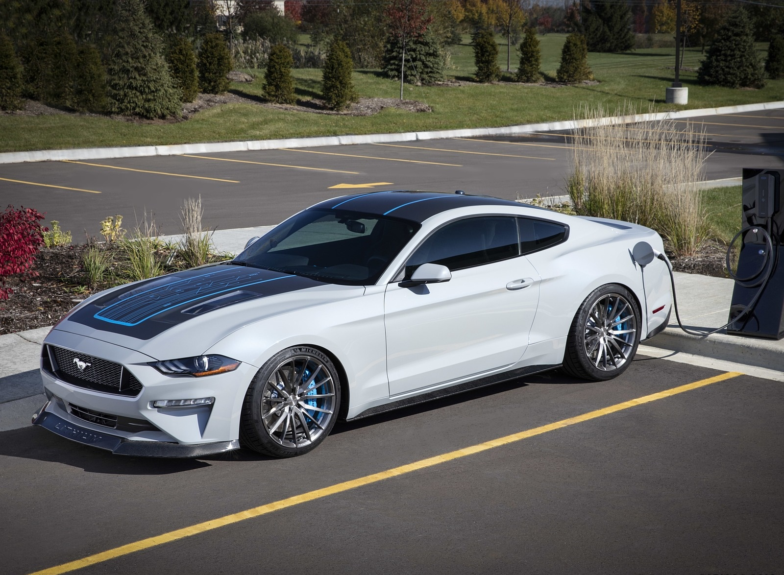 2019 Ford Mustang Lithium Concept Front Three-Quarter Wallpapers (3)