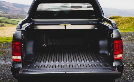 2019 Volkswagen Amarok Black Edition (UK-Spec) Bed Wallpapers 450x275 (37)