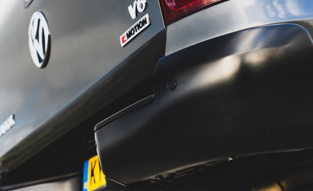 2019 Volkswagen Amarok Black Edition (UK-Spec) Detail Wallpapers 450x275 (34)