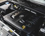 2019 Volkswagen Amarok Black Edition (UK-Spec) Engine Wallpapers 150x120 (39)