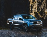 2019 Volkswagen Amarok Black Edition (UK-Spec) Front Three-Quarter Wallpapers 150x120 (27)