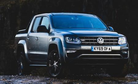 2019 Volkswagen Amarok Black Edition (UK-Spec) Front Three-Quarter Wallpapers 450x275 (26)