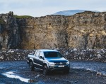 2019 Volkswagen Amarok Black Edition (UK-Spec) Front Three-Quarter Wallpapers 150x120 (14)