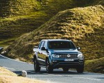 2019 Volkswagen Amarok Black Edition (UK-Spec) Front Three-Quarter Wallpapers 150x120 (3)