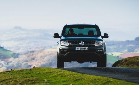 2019 Volkswagen Amarok Black Edition (UK-Spec) Front Wallpapers 450x275 (17)