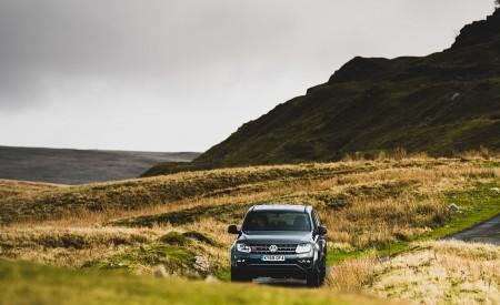 2019 Volkswagen Amarok Black Edition (UK-Spec) Front Wallpapers 450x275 (18)
