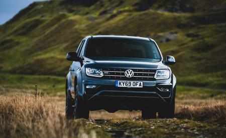 2019 Volkswagen Amarok Black Edition (UK-Spec) Front Wallpapers 450x275 (6)