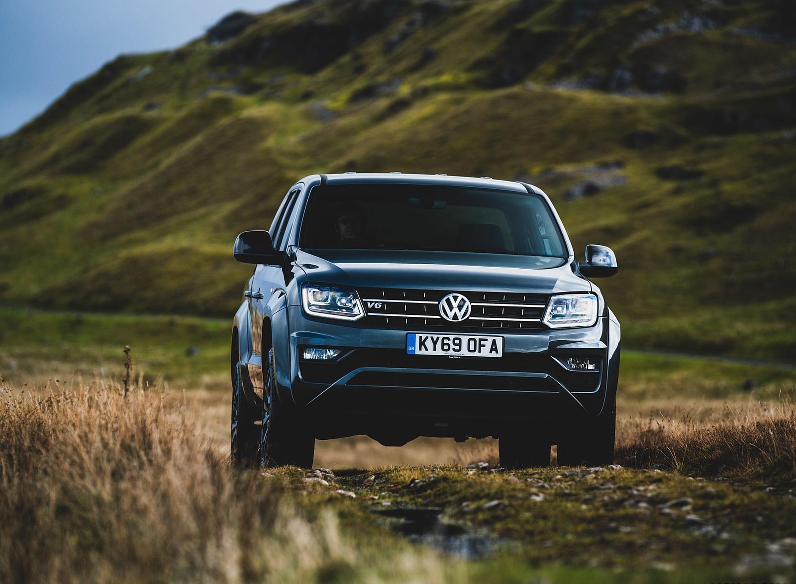 2019 Volkswagen Amarok Black Edition (UK-Spec) Front Wallpapers (6)