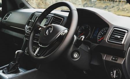 2019 Volkswagen Amarok Black Edition (UK-Spec) Interior Wallpapers 450x275 (40)