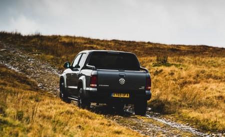 2019 Volkswagen Amarok Black Edition (UK-Spec) Rear Wallpapers 450x275 (8)