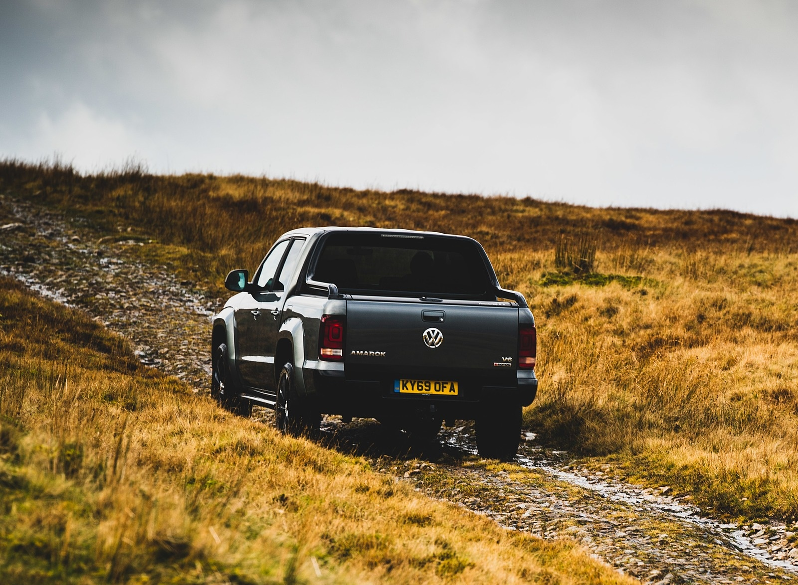 2019 Volkswagen Amarok Black Edition (UK-Spec) Rear Wallpapers (8)