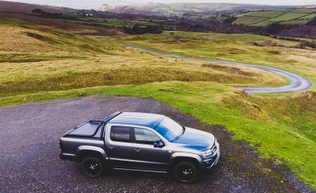 2019 Volkswagen Amarok Black Edition (UK-Spec) Side Wallpapers 450x275 (24)
