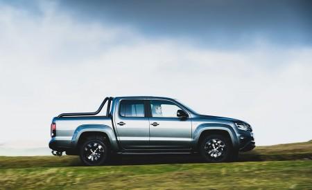 2019 Volkswagen Amarok Black Edition (UK-Spec) Side Wallpapers 450x275 (12)