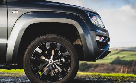 2019 Volkswagen Amarok Black Edition (UK-Spec) Wheel Wallpapers 450x275 (31)
