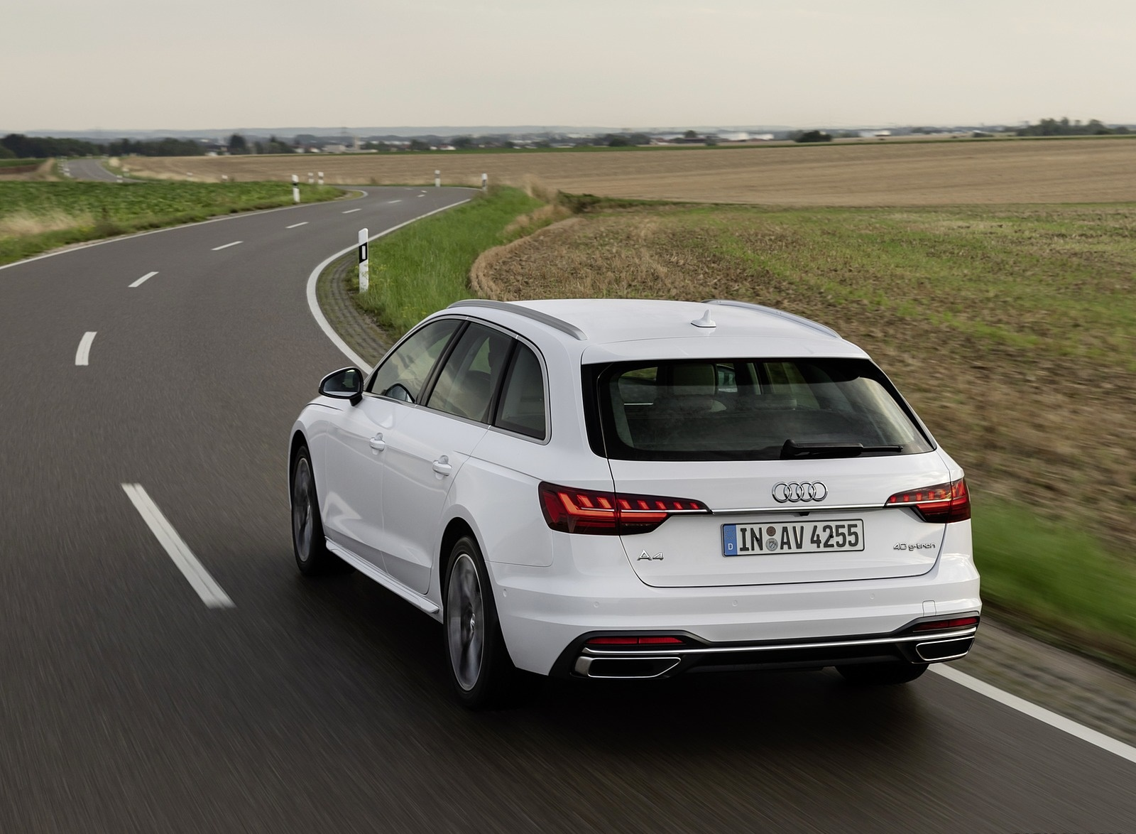 2020 Audi A4 Avant g-tron (Color: Glacier White) Rear Three-Quarter Wallpapers (5)