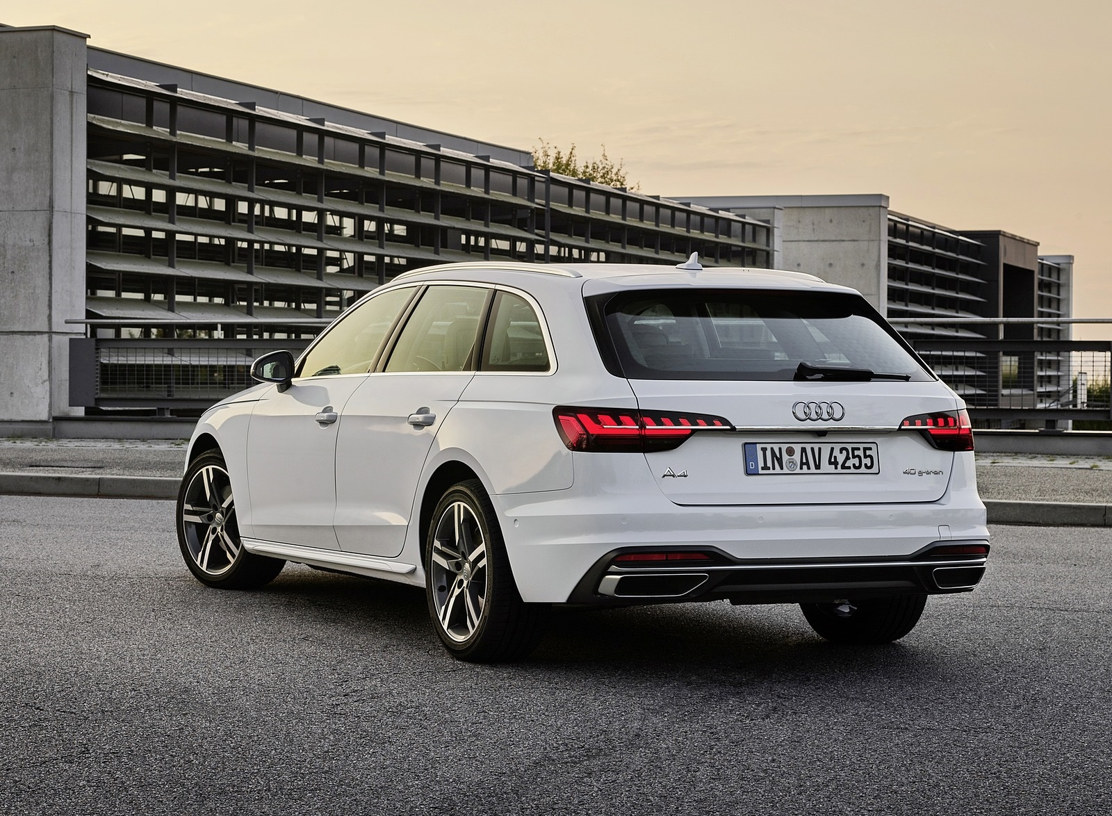 2020 Audi A4 Avant g-tron (Color: Glacier White) Rear Three-Quarter Wallpapers (6)