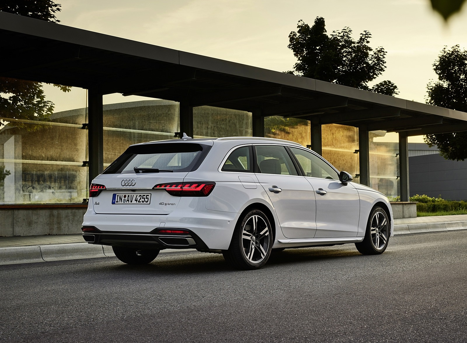 2020 Audi A4 Avant g-tron (Color: Glacier White) Rear Three-Quarter Wallpapers (8)