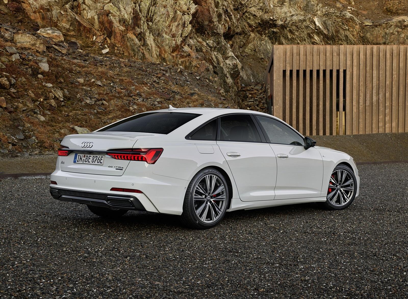 2020 Audi A6 55 TFSI e quattro (Color: Glacier White) Rear Three-Quarter Wallpapers (2)