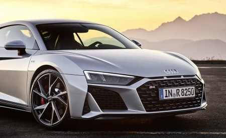 2020 Audi R8 V10 RWD Coupe (Color: Florett Silver) Detail Wallpapers 450x275 (21)